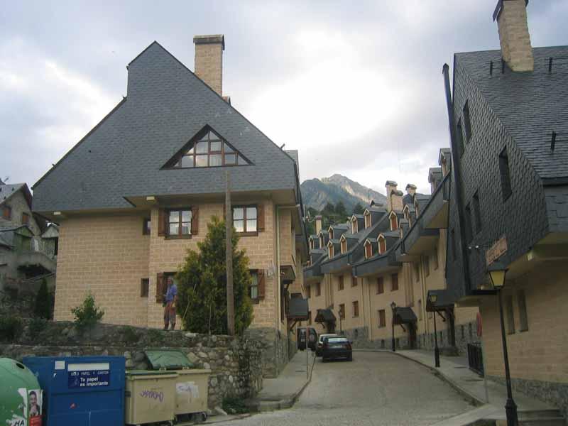 Apartamentos alta monta a panticosa huesca lagu a - Arquitectos huesca ...